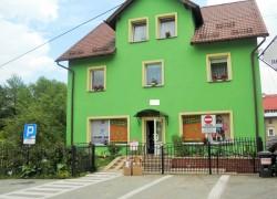 Stronie Śl., dom wolnostojący z 2 lokalami, garaż, ogródek, pilna sprzedaż